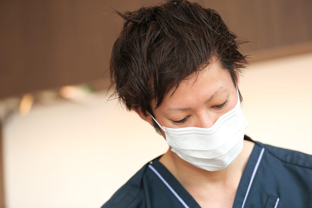 歯科ナチュールの院長・佐藤です。患者様一人一人に寄り添い「私自身が受けたいと思える治療」を提供します。